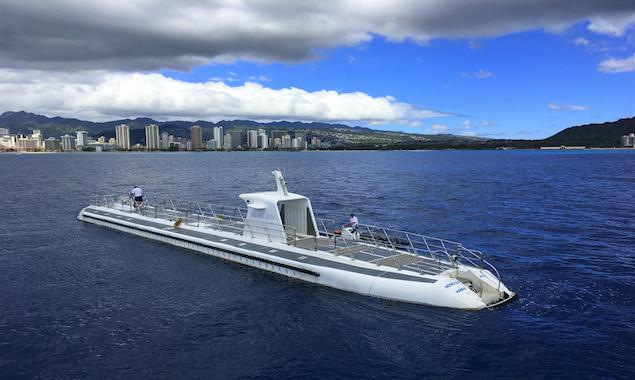 Submarine Tour – Honolulu, Hawaii